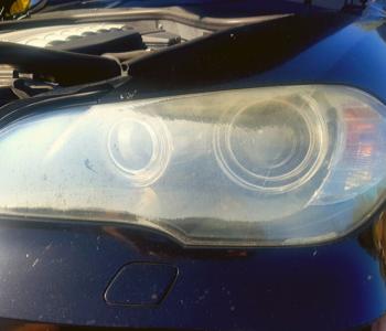 bumpa.man_headlight-restoration BMW-X5 left before