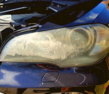 Bumpa Man Headlight Restoration BMW-X5 left before